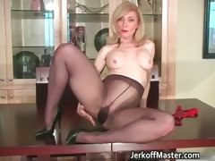 slutty-blond-mum-with-big-hooters-part5
