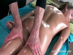 hot-babe-gets-naked-body-massaged-with-oil