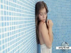 shower-solo-beautiful-teen-guerlain