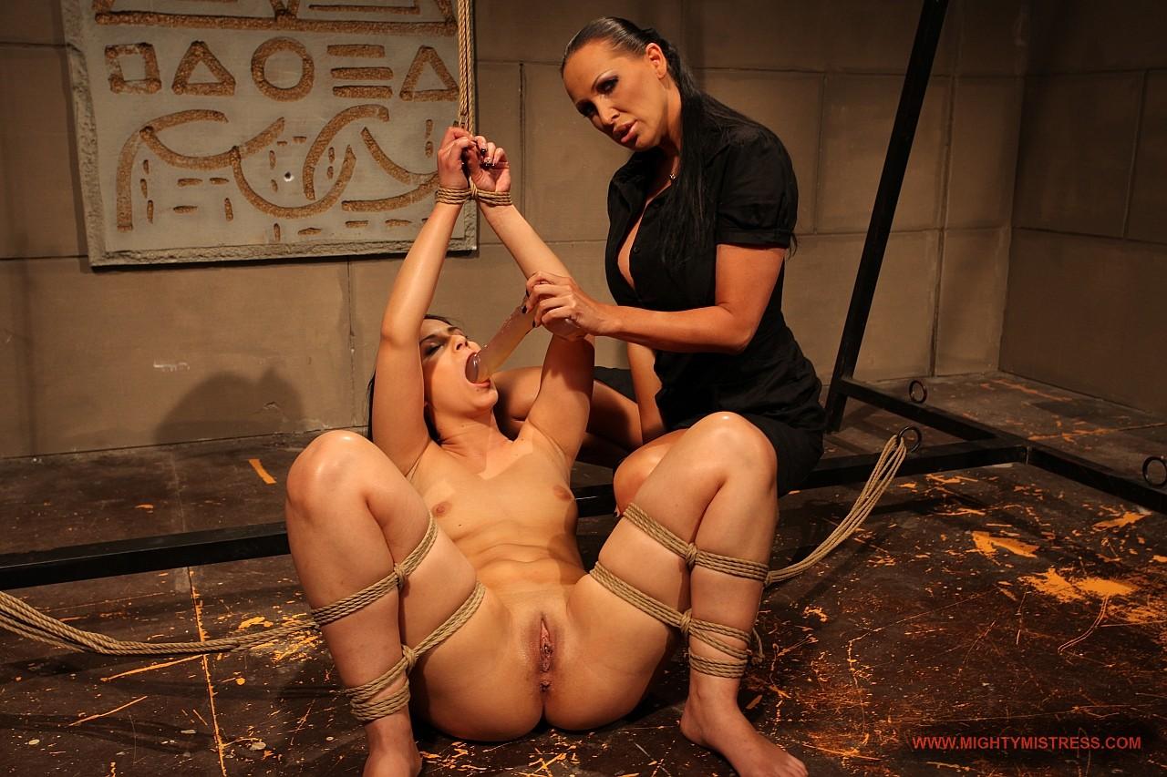 Смотреть порно с красивой рабыней, Красивые Рабыни (найдено 38 порно видео роликов) 23 фотография