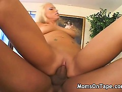 sexy mom loves a penis in her cunt