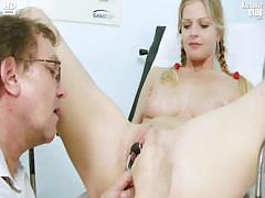 Busty Jenny Extreme Pussy Gaping On Gyno Chair At Kinky