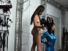 kinky-slender-hotie-dildos-her-hot-latex-sex-slave
