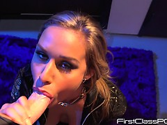 kennedy-leigh-club-s-trade-blowjob