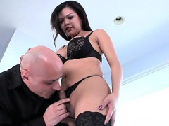 Ladyboy Shemale Gets Little Dick Sucked