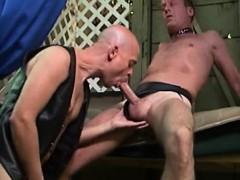 hardcore-leather-gay-couple