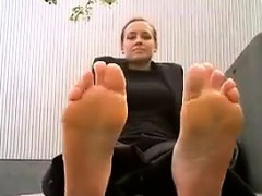 Milf Shows Her Pretty Feet Outside
