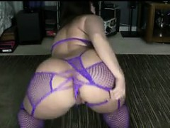 Thick Girl In Lingerie Shaking Her Booty