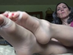Beautiful Granny Teases Her Feet Close Up