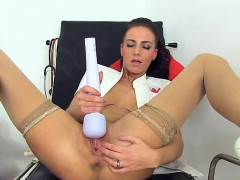 glamour-girl-first-squirt
