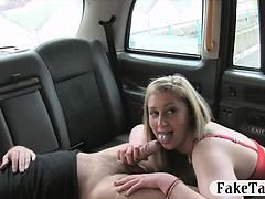 Hot Amateur Passenger Offered To Give Bj To Off Her Fare
