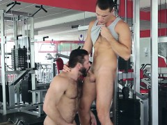 theo-ford-gets-fucked-by-jessy-ares