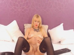 crazy-tranny-beats-her-cock-on-her-webcam