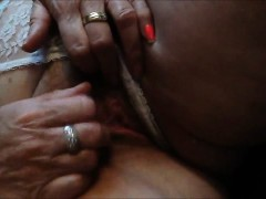 Playing With A Mature Pussy Closeup