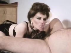 veronica-hart-lisa-de-leeuw-john-alderman-in-classic-porn