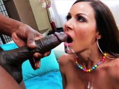 Voluptuous MILF Kendra Lust Fucked by Lexington Steele