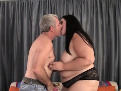 pretty-bbw-becki-butterfly-gets-her-pussy-fucked-good