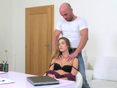 femaleagent-massage-ends-with-sticky-facial