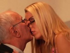 old perverted man young woman paul hard tear up christen xxx.harem.pt
