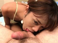 bangkok-ladyboy-diamond-fucked-bareback