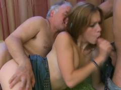 Супер оргазм от сексмашины