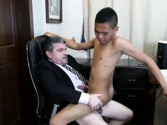 Daddy Arrives At The Office And He Is Feeling Really Horny