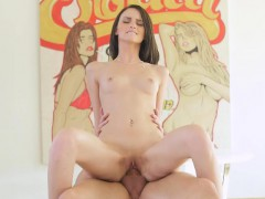 cheerleader-farrah-valentine-gets-nailed-and-creampied