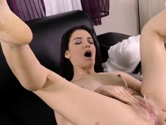 Flawless Teen Is Pissing And Masturbating Trimmed Fuckbox