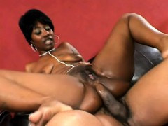saucy-ebony-broad-can-t-help-but-moan-while-riding-this-fat-prick