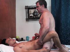 Filipino Twink Masseur Anal Fucked By Daddy