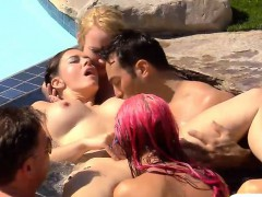 Group Of Horny Swingers Enjoyed Oral Sex By The Pool