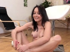 Ravishing Girl Is Pissing And Pleasing Shaved Cunt