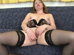 sexy-mature-mother-needs-a-good-fu-jeanett