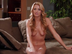 Chanel Rae Shows Her Beautiful Naked Body At An Interview