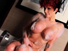 Joslyn James Bubbles Up In The Tub