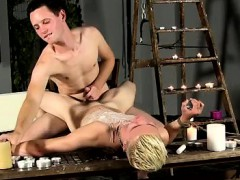 gay-man-having-sex-penis-youtube-tumblr-splashed-with-wax-an