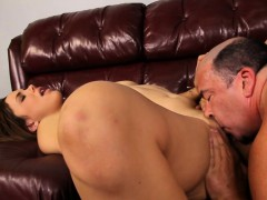 Hot Latina Gets Her Vagina Tongued