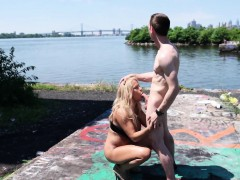 freedom-public-fucking-with-big-tit-milf-alyssa-lynn