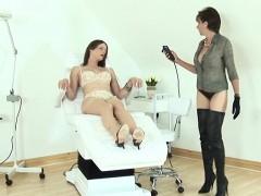 Unfaithful British Mature Lady Sonia Presents Her Heavy Titt