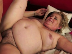 chubby grandmother nailed on the bed xxx.harem.pt