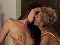 Mature Sixtynines With Teen Babe
