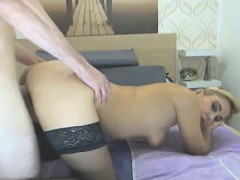 hot-babe-gets-fucked-in-doggie-position