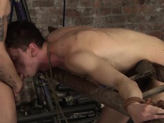 sexy-twink-billy-getting-his-asshole-drilled-doggystyle
