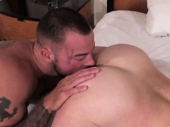 muscle-gay-anal-sex-and-eating-cum