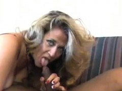 hot-mature-girlfriend-laura-likes-intercourse-with-large-bl