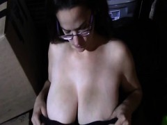 natural-tits-likes-to-p-lay-with-my-cock