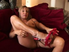 American Old Cougar Ma Playing Wit Otilia From Dates25com