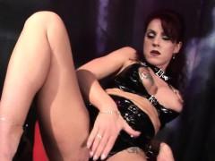 silke-maiden-is-always-in-control-this-mature-dominatrix