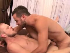 Muscle Boyfriend Flip Flop With Cumshot