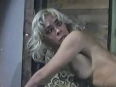 Hardcore Urine Fetish Threesome With Cock Slurping Skanks